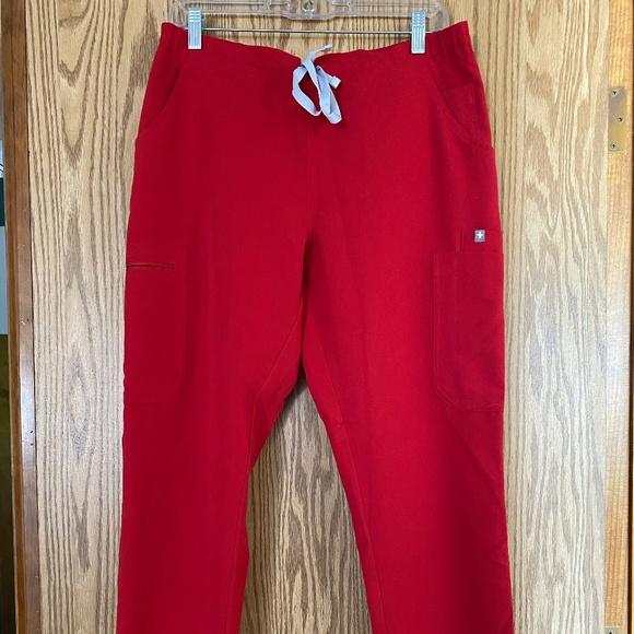 Figs Yola Scrub Pants Size Medium Petite Red